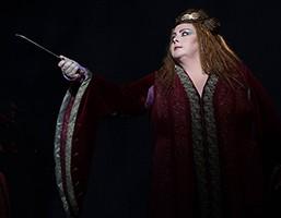 Angela Meade como Norma