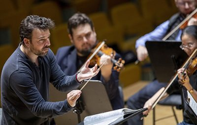 James Gaffigan debuta en Les Arts