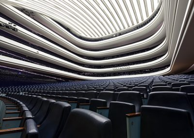Main room of the Palau de Les Arts. Photographs Miguel Lorenzo / Mikel Ponce