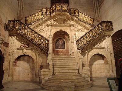 EscaleraDorada